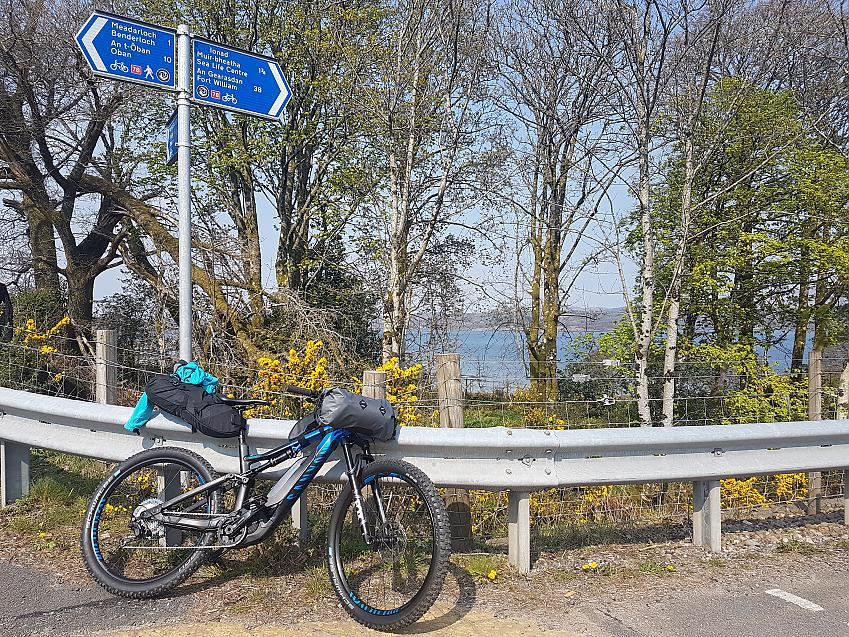 Canyon Neuron e-bike just north of Benderloch