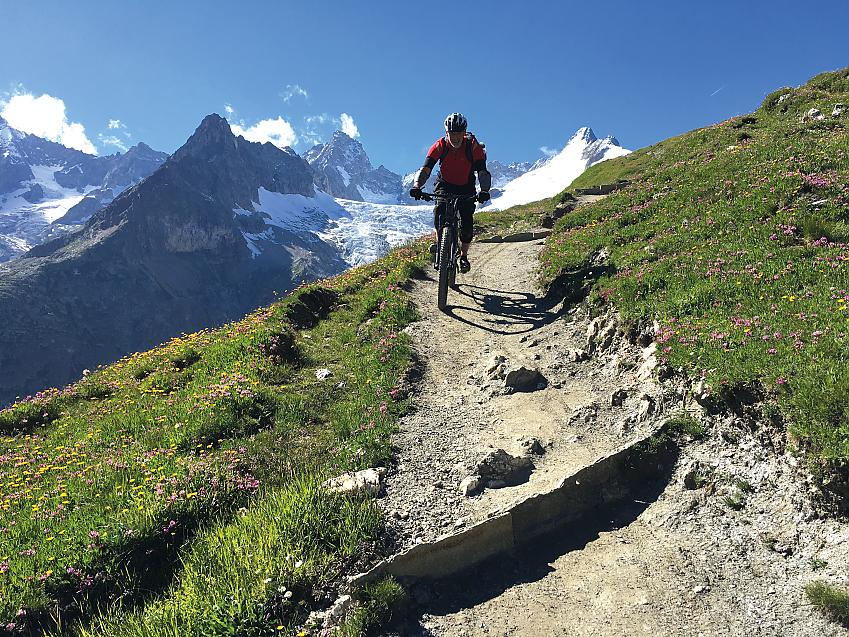 Alpine descents - still fun on a cross-country hardtail