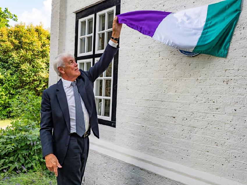 The blue plaque is unveiled by the Pethick-Lawrences' great nephew. Photo by RoystonWilliamson