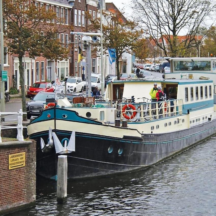 The barge was both sag-wagon and accommodation