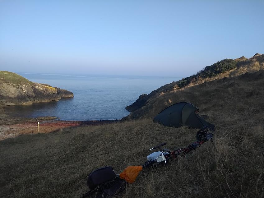 Wild camping and cycle touring often go hand in hand and, when done responsible, cause no harm to the environment or land