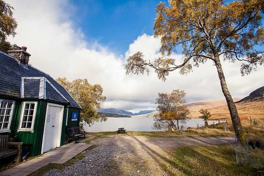 Loch Ossian Youth Hostel. Photo by Kathi Kamleitner, Watch Me See