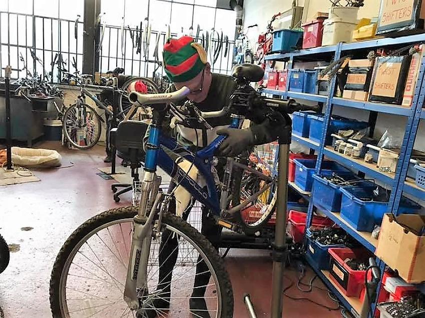A Streetbikes elf hard at work