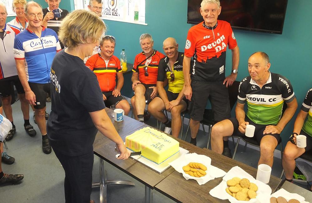 Volunteers serving cake  Photo: Graham Brodie