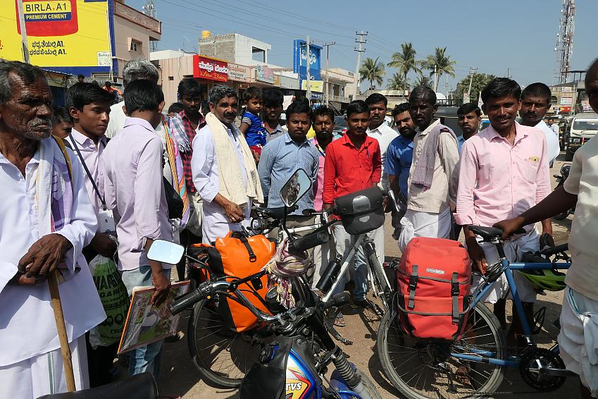 Steve's bike attracts a crowd in India