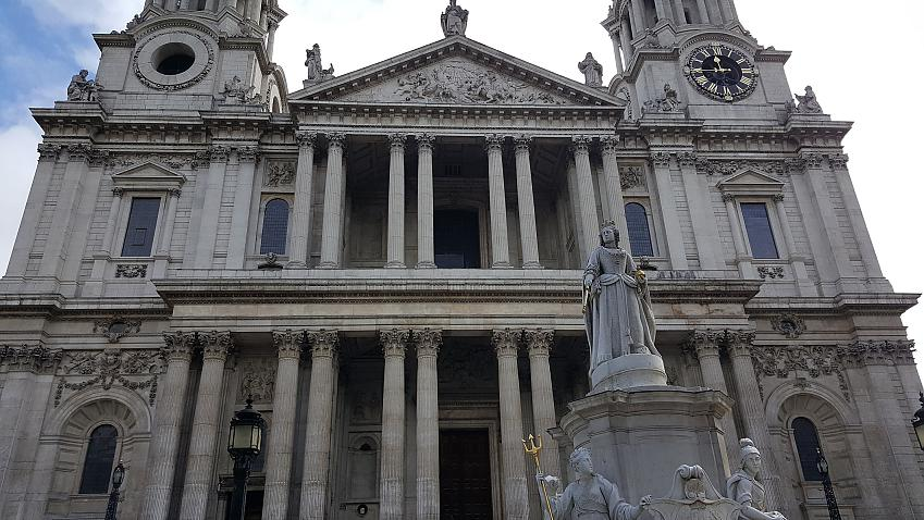 The Old Bailey, scene of the trial of Oscar Wilde. Photo by CycleOut London