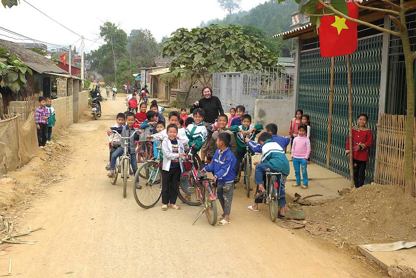 Vietnam Tour group pic