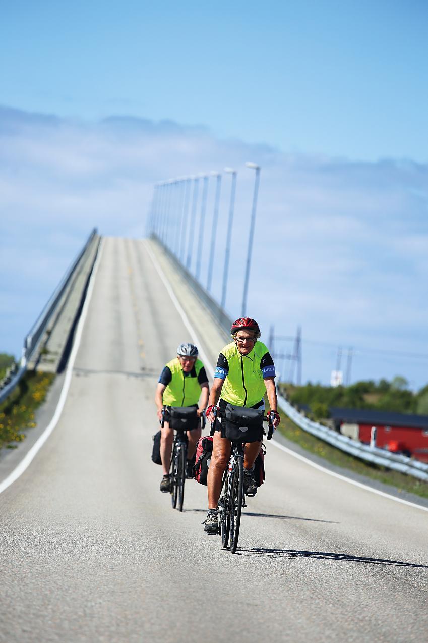 Carel and Malc of bridge near Risoyhamm Norway