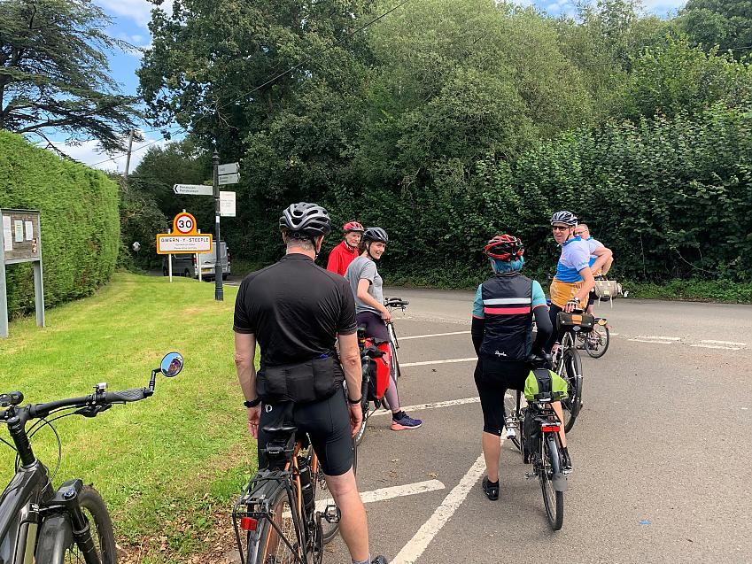 Cardiff CTC enjoying a ride in the Vale