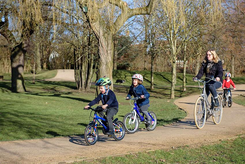 Fewer women cycling could mean fewer children riding bikes
