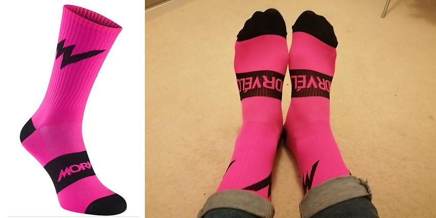 Morvelo Emblem fluro pink socks