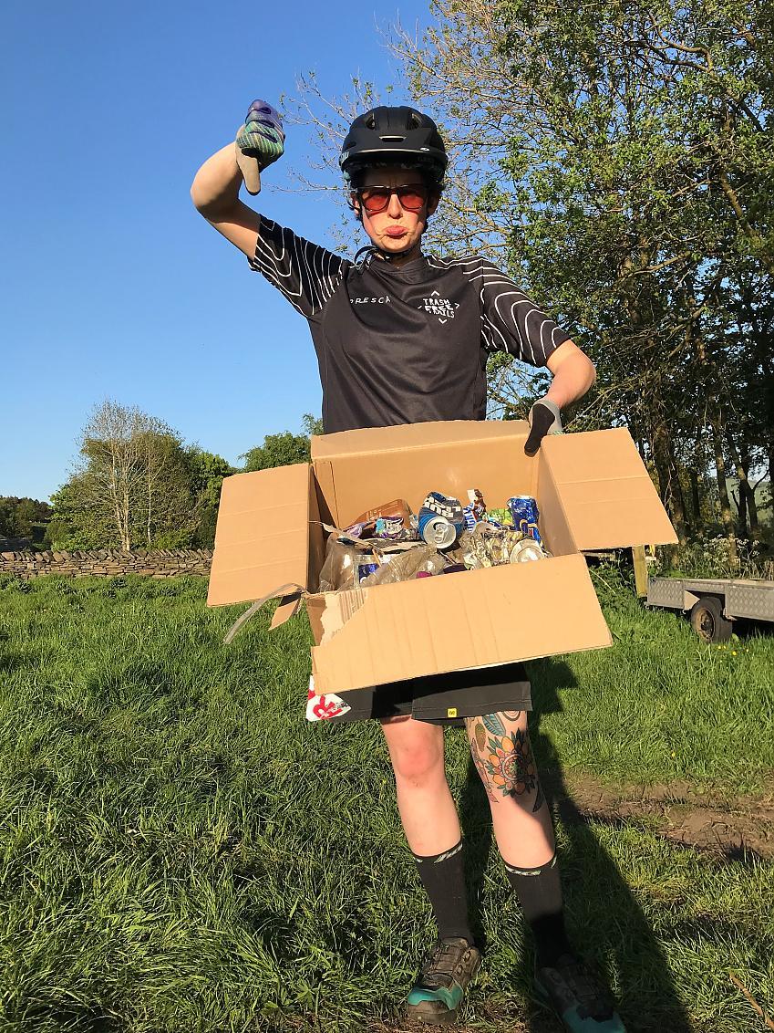 Cyclists say thumbs down to single use rubbish