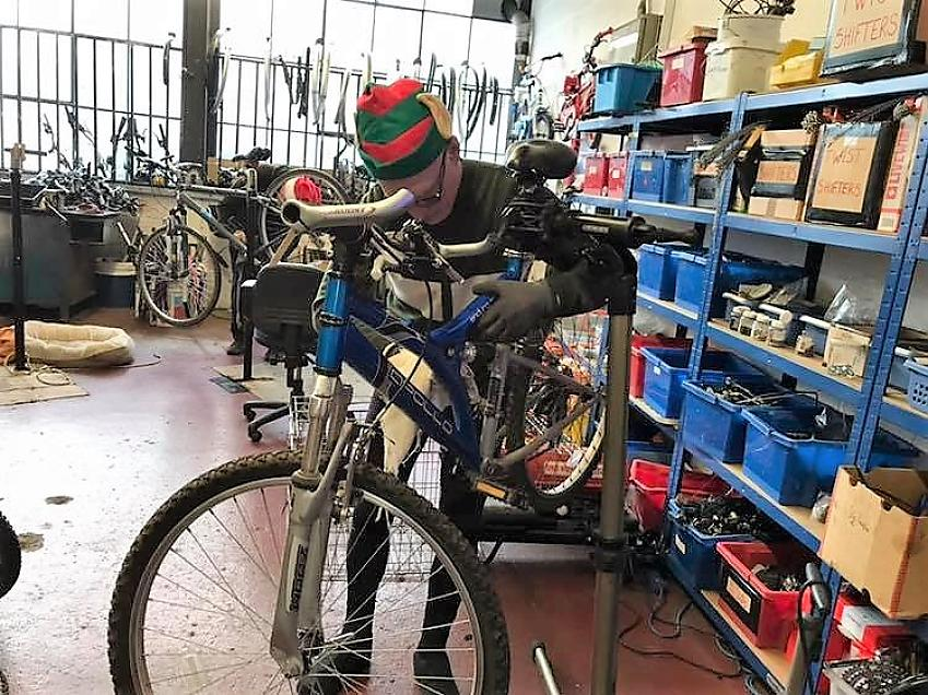 A Streetbikes elf hard at work